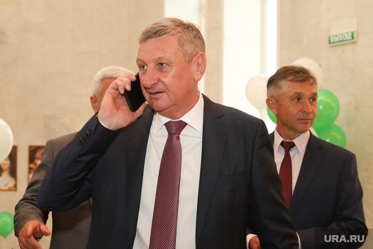 К претенденту в курганские сенаторы прилетел лоббист из Москвы