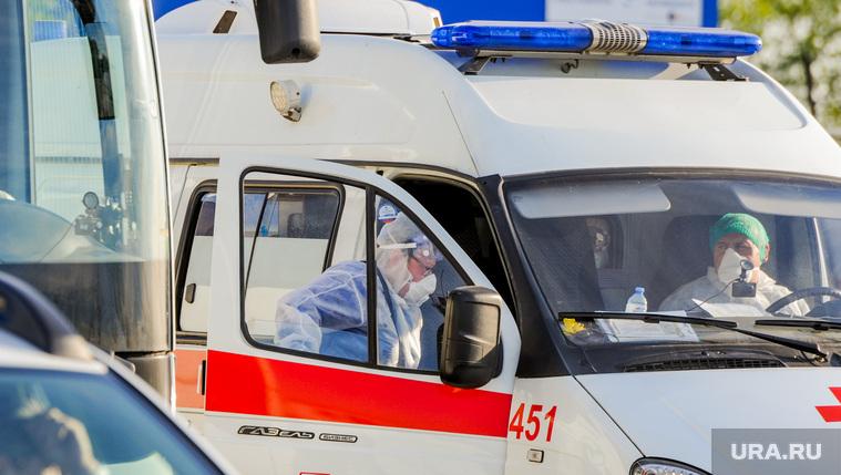 Оперштаб объяснил невыплату денег зараженным врачам на Урале