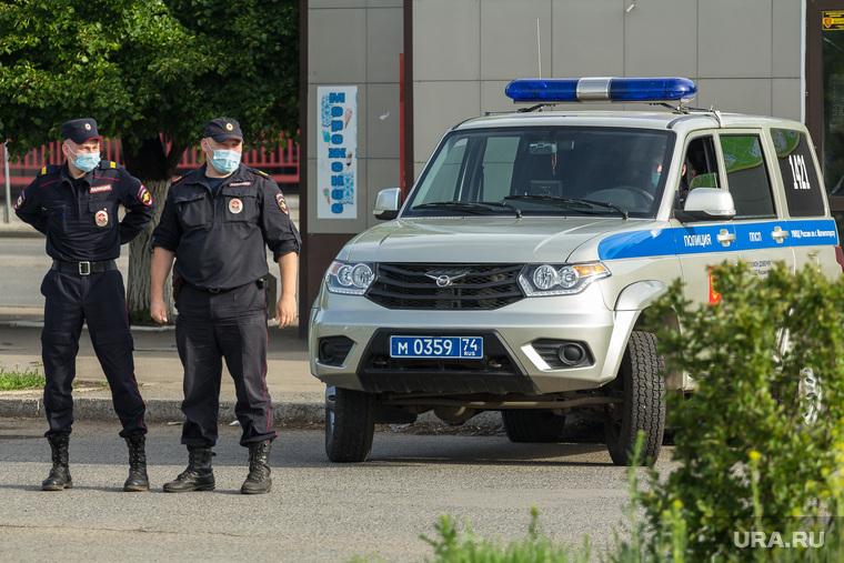Пока москвичи боятся выйти наулицу, вся Россия гуляет. Фото