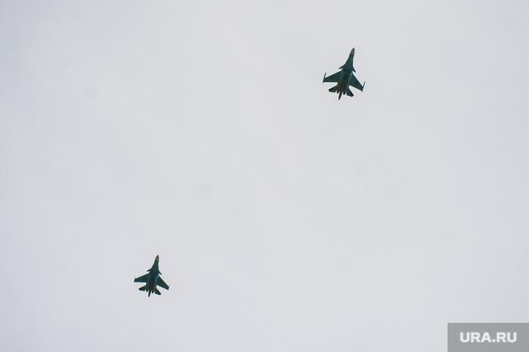 Российские истребители перехватили американский самолет-разведчик. ВИДЕО