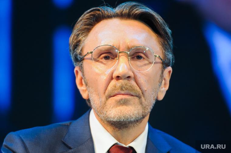 Шнуров обвинил российских звезд в продажности. «Им зритель вообще не нужен»