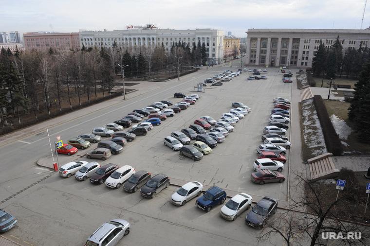 В Челябинске легализовали платные парковки