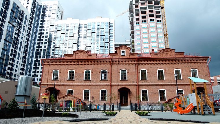 В Екатеринбурге восстановленный памятник архитектуры отдали детям. ФОТО