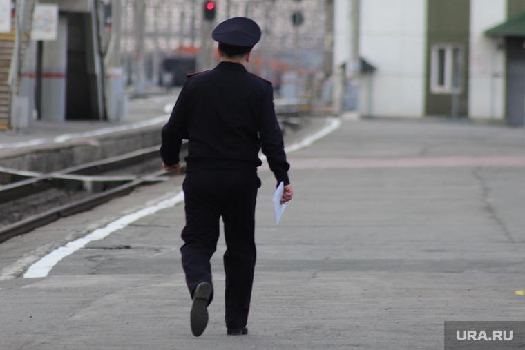 В курганском городе массово увольняются полицейские. Они бегут из отдела, где умер сотрудник