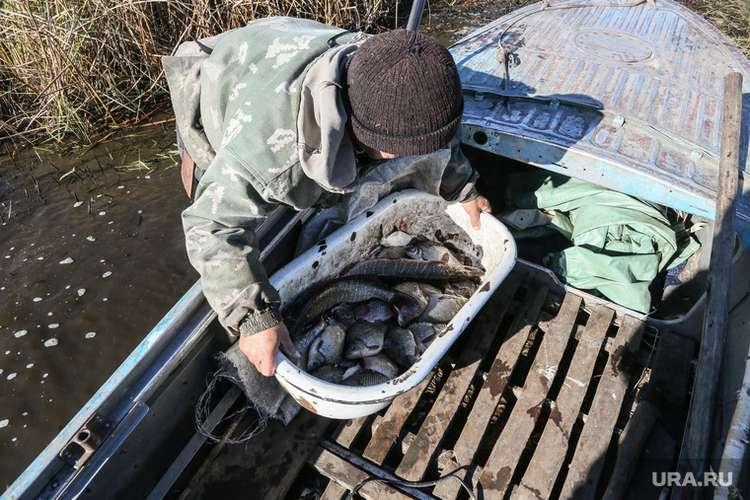 Голодающему тюменскому поселку пока не разрешат ловить рыбу