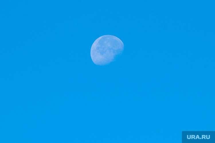 NASA: астероид размером с футбольное поле приблизится к Земле