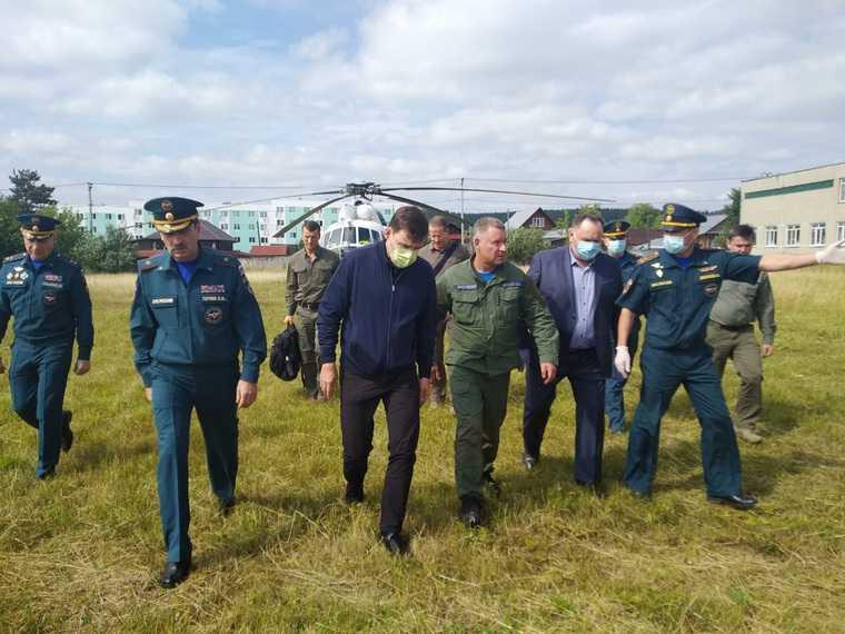Глава МЧС России прибыл в затопленный свердловский город. ФОТО
