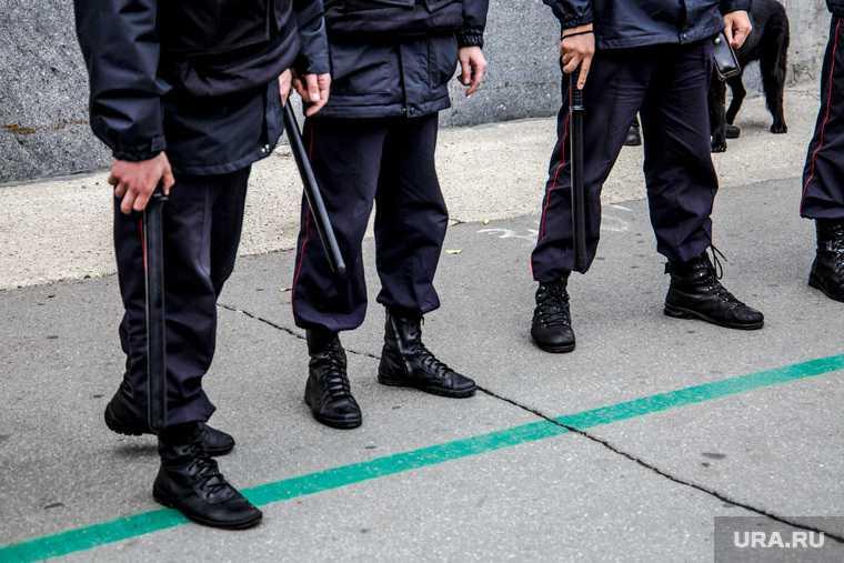 Свердловский областной суд апелляция отмена приговор полицейские