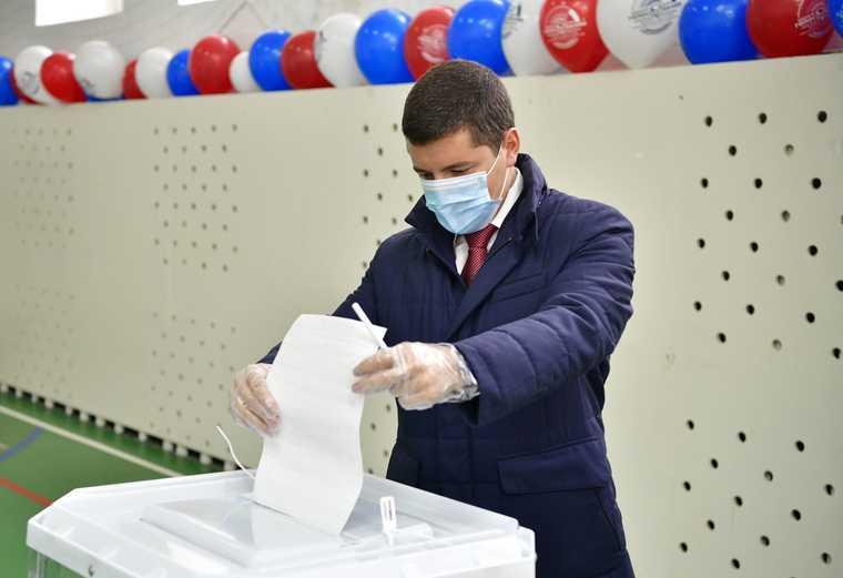 Губернатор Артюхов выборы депутатов заксобрания ЯНАО