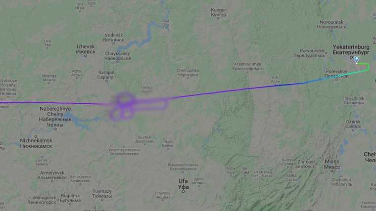Пилоты «Победы» по пути в Екатеринбург нарисовали в небе фаллос. «Выразили поддержку Дзюбе». Фото