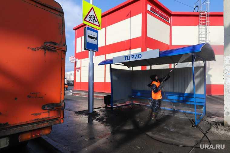 Санитарная обработка города во время карантина по коронавирусу. Курган