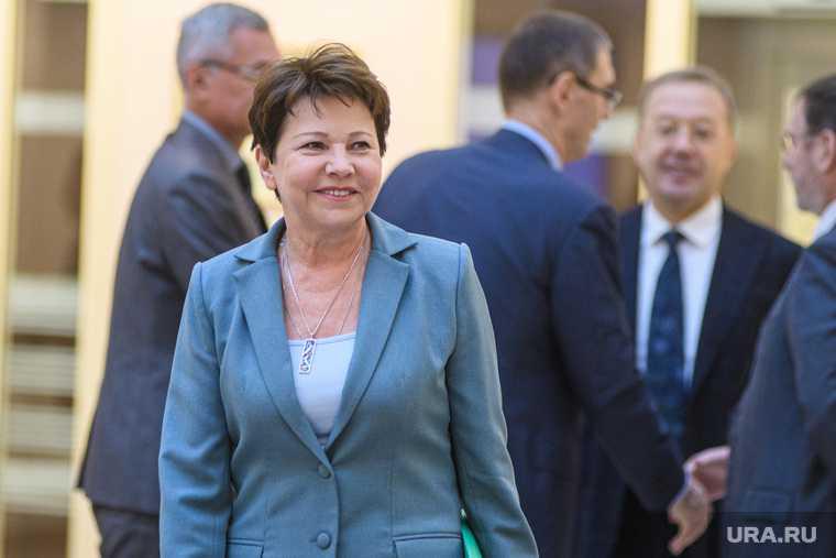 Галина Кулаченко отставка министр правительство Свердловская область
