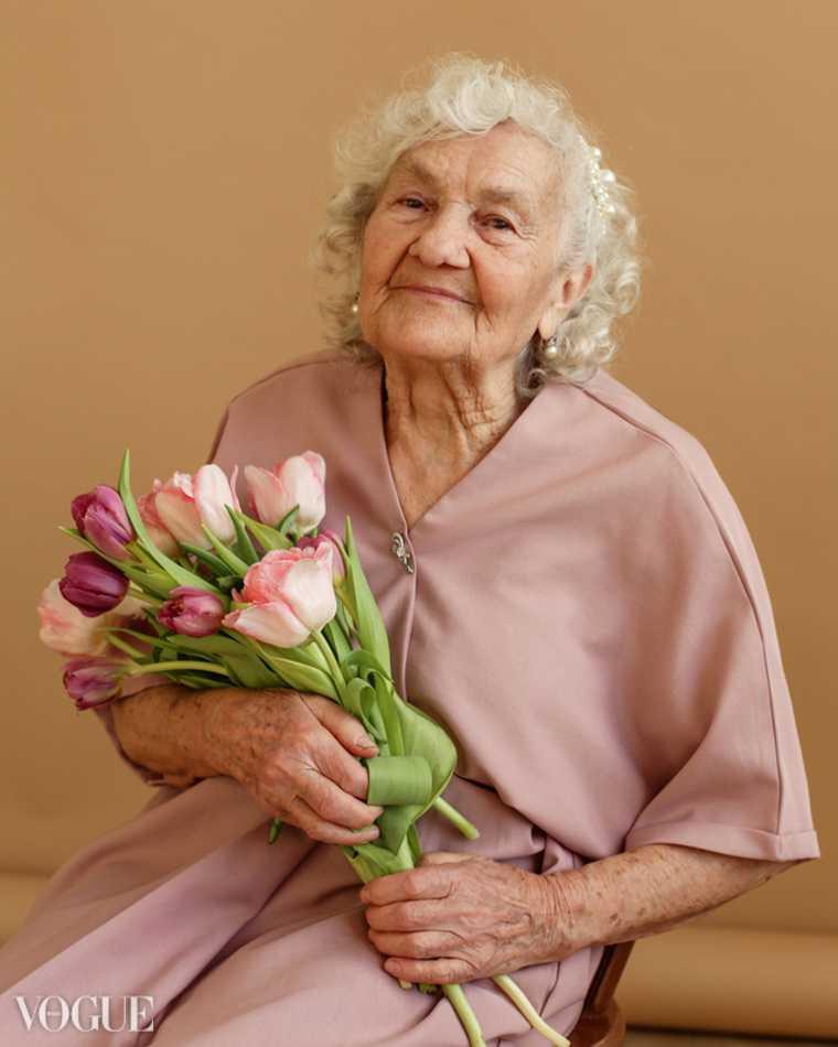 83-летняя челябинка, победившая COVID, попала на обложку Vogue