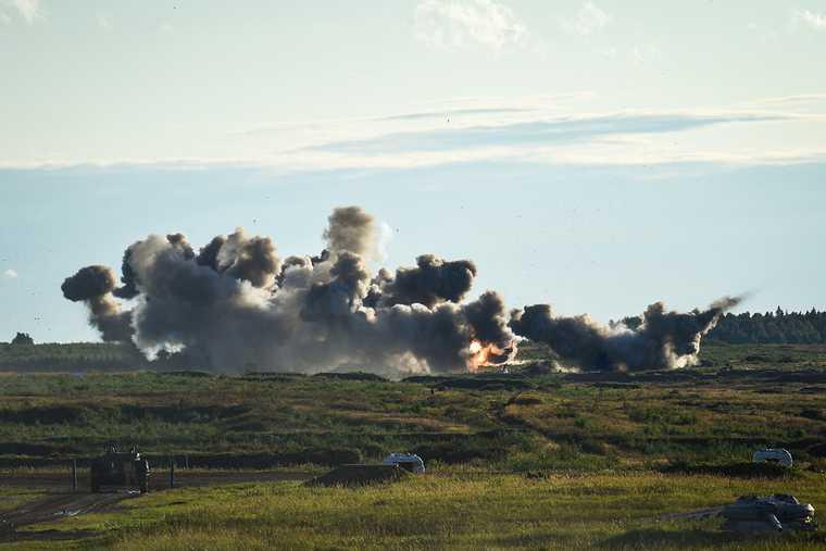 Украина показала кадры уничтожения позиций ДНР