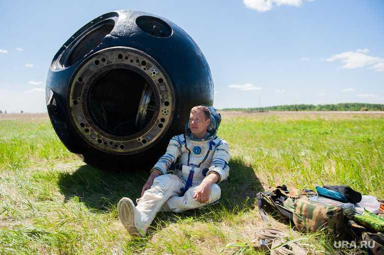 Путин повышение оклада Космонавтам