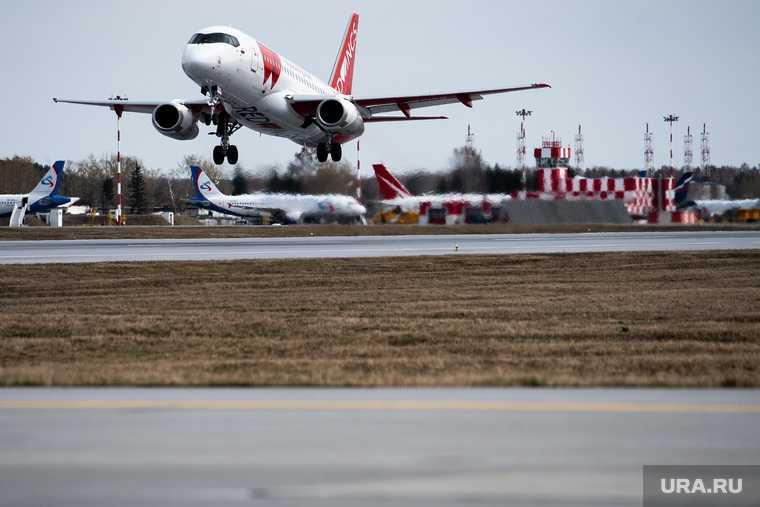 шереметьево самолет аварийная посадка шасси