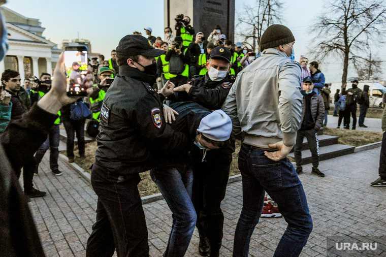 Челябинск акция митинг Навальный новое уголовное дело полиция ГУ МВД