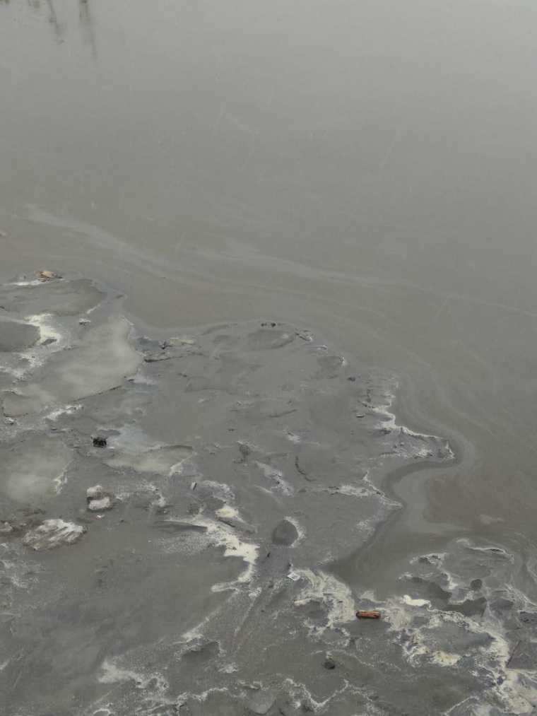 В Обь попали ядовитые отходы из-за аварии в ХМАО. Фото