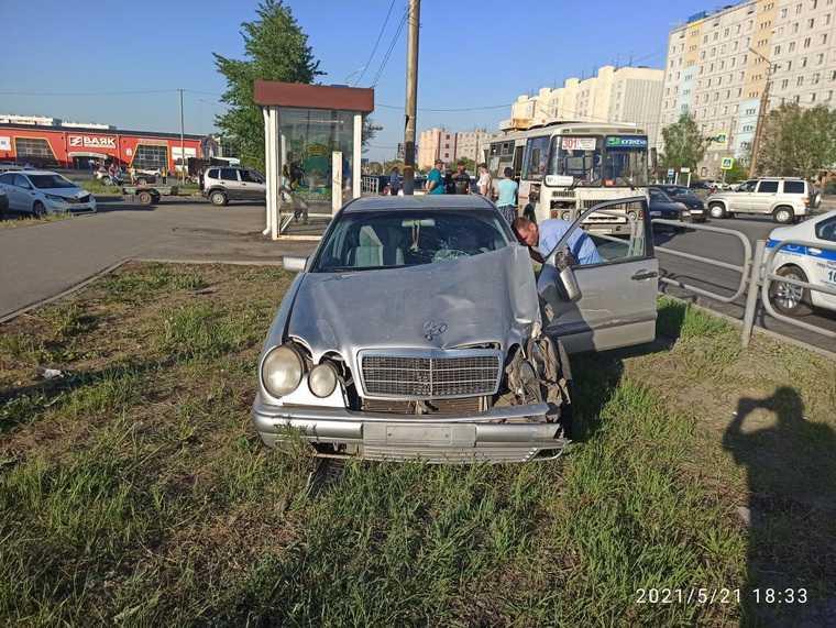 ГИБДД Кургана раскрыла подробности аварии с автобусом. Фото