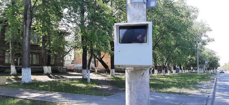 Курганцы оправдали вандалов, испортивших дорожную камеру. «Местные Робин Гуды, мое уважение»